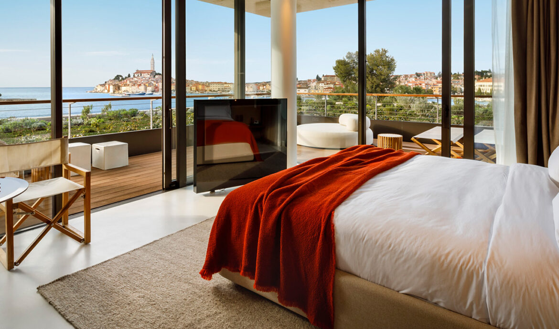 FINESSE, Travel, Magazin, Rovinj, Kroatien, Grand Park Hotel Rovinj, Bett, Ausblick, Schlafzimmer