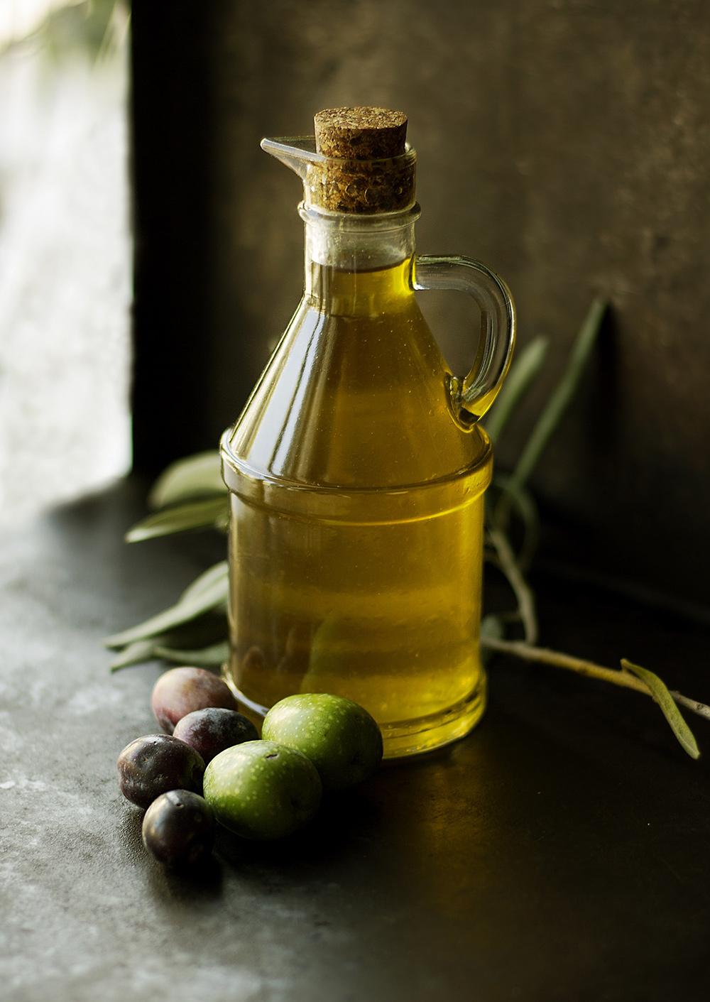 FINESSE_Olivenöl_Spezial_Ölflasche