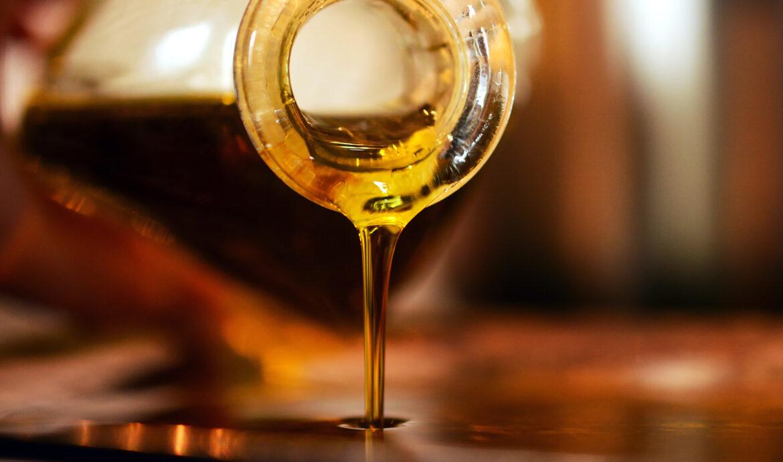 FINESSE_Olivenöl_Spezial_Ölflasche1