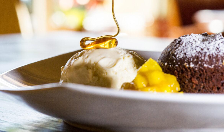 FINESSE, Travel, Magazin, Reisen, Gewissenhaft reisen, Bio Hotels, Dessert, Honig, Schokolade, Eis