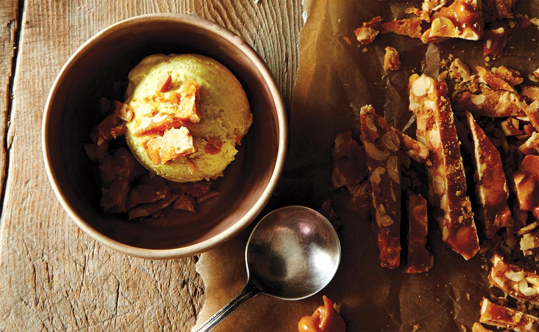 FINESSE, Gourmet, Food, Magazin, Rezepte, Eis, Erdnussbutter-Curry-Eis