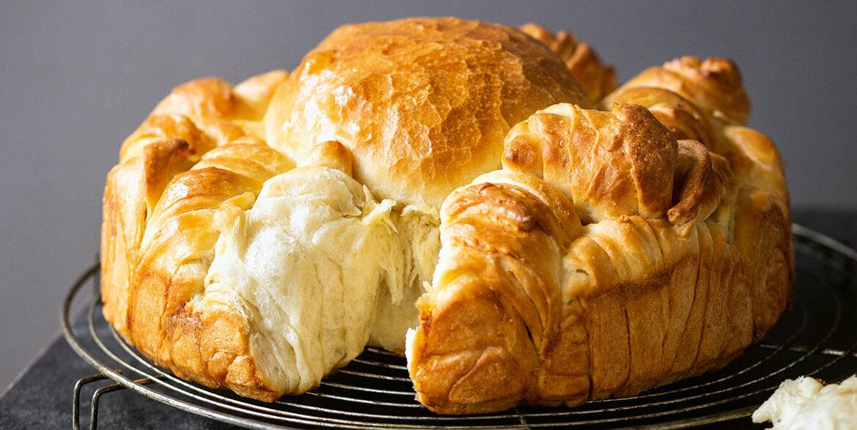 BAKING BREAD IN EUROPE