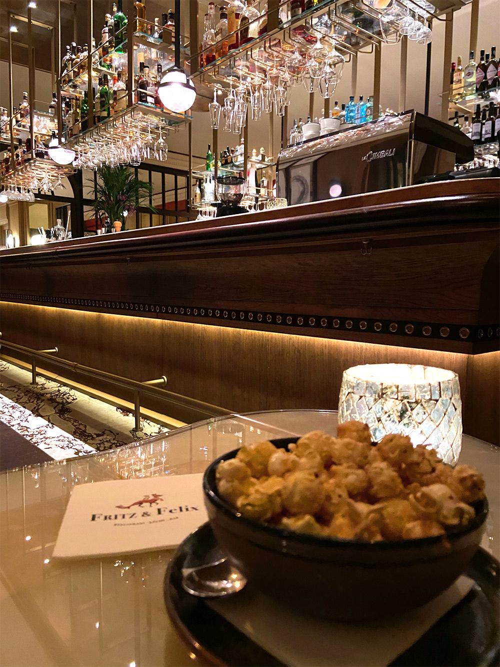 FINESSE, Magazin, Brenners Park Hotel, Travel, Gourmet, Reise, Selektion Deutscher Luxushotels, Fritz & Felix, Farid Fazel, Bar, Popcorn
