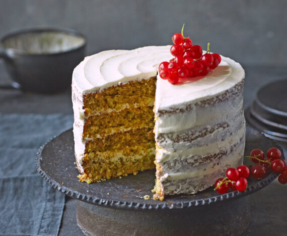FINESSE, Magazin, Food, Rezepte, Food, Gourmet, Backen, Cynthia Barcomi, Kokos, Pekannuss, Torte, Frosting